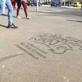 Publicité au sol sur les trottoirs Nantais