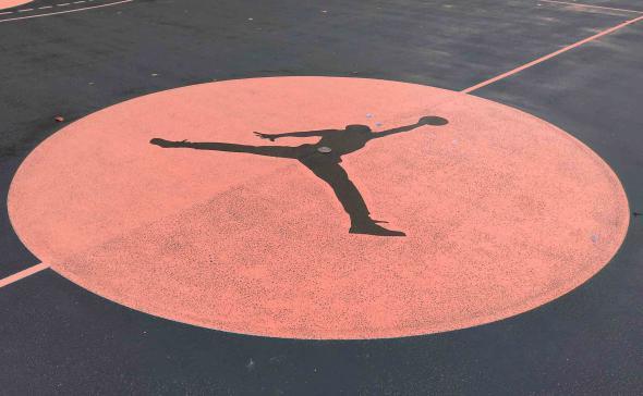 Traçage et customisation d'un terrain de basket