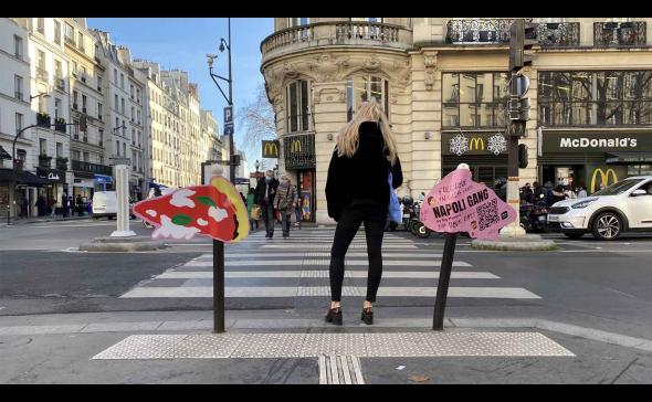 Affichage street-marketing pour l'ouverture d'un restaurant
