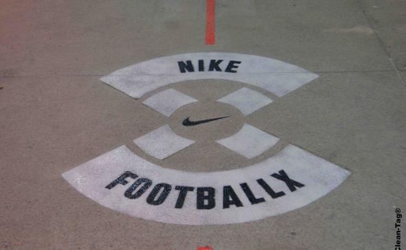 Nike Paris cleantag street marketing
