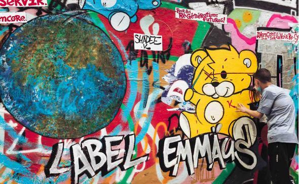 Street-marketing label Emmaus